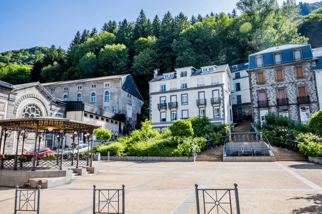 L'extérieur du centre thermale du Mont dore en Auvergne