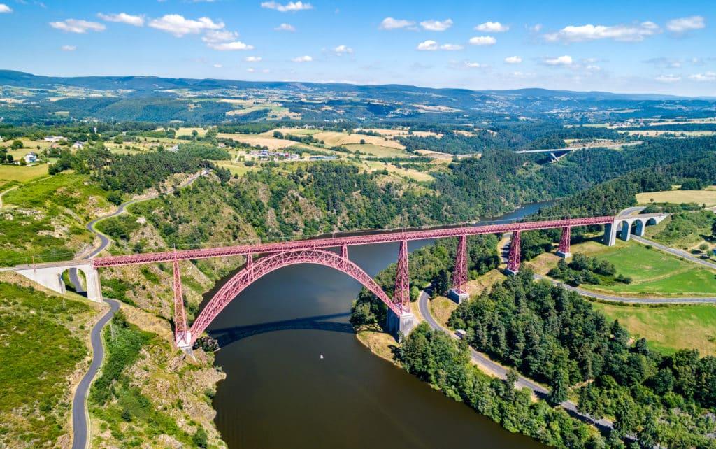 viaduc de Garabit dans le cantal en Auvergne