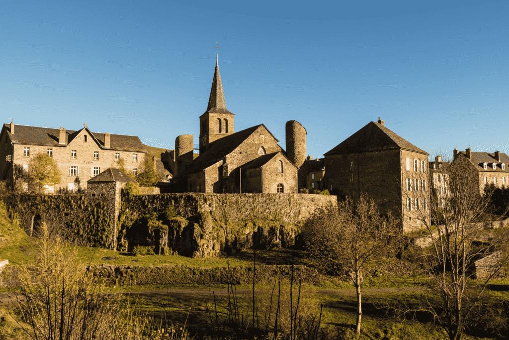 vue sur le village d'Allanche dans le Cantal