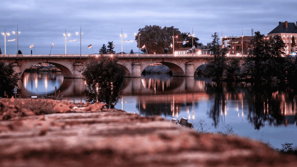 Vue sur un des ponts de Roanne.